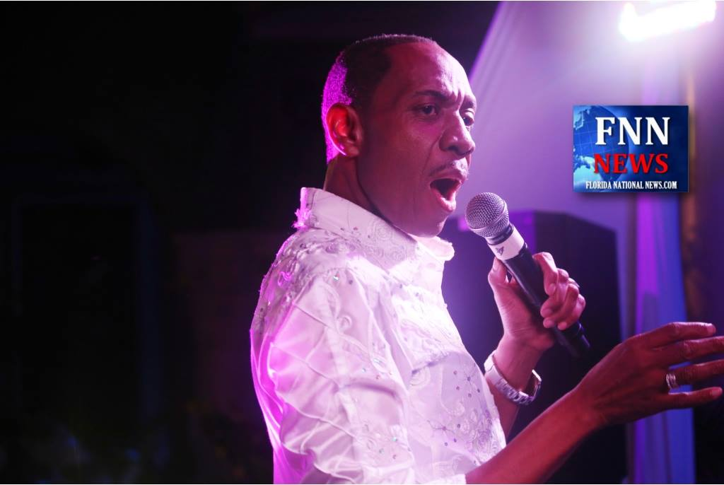Freddie Jackson wows the audience at Dorian Boyland's All White Party for the Trayvon Martin Foundation Saturday. Photo: Willie David/Florida National News.