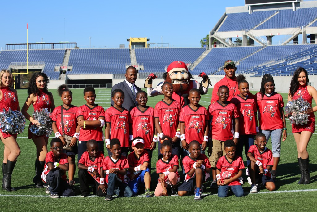 """Buccaneers and Mayor Dyer launched """"Junior Bucs"""" Youth ..."""