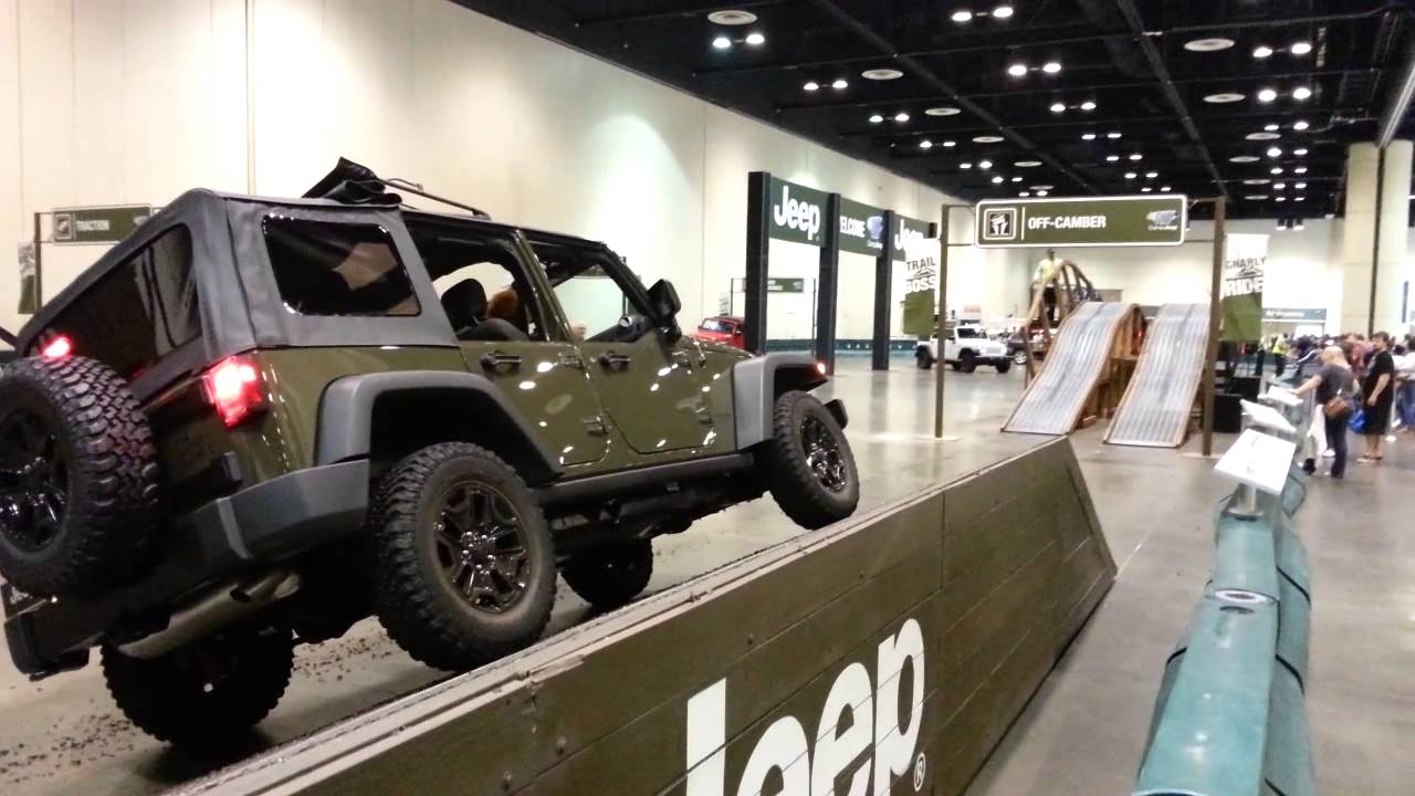 Model Central Florida International Auto Show Roars Into - Car show in orlando this weekend