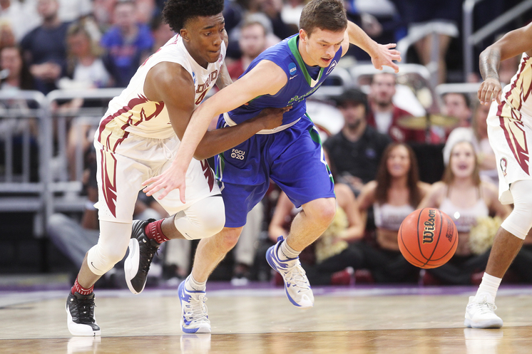 ORLANDO (FNN SPORTS) - Florida State University defeats Florida Gulf Coast University to advance to the second round Thursday night at Amway Center. Photo: Octavio Jones/Tampa Bay Times.