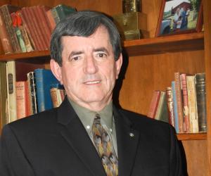 ORLANDO (FNN NEWS): Orange County Commissioner Pete Clarke brings the latest endorsement for Chadwick Hardee. Photo: Orlando Sentinel.
