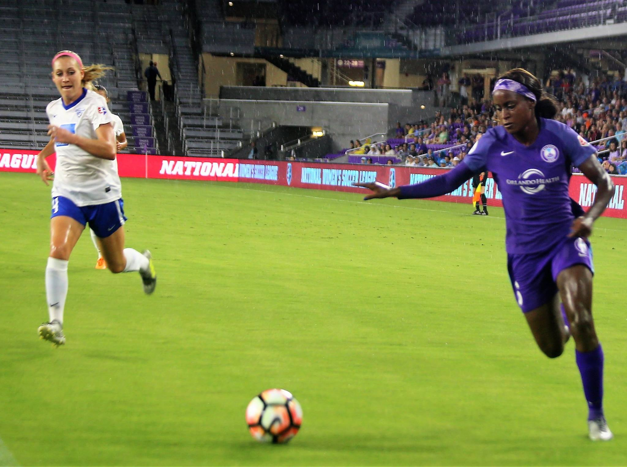 ORLANDO (FNN SPORTS) - The Orlando Pride came out aggressively against the Boston Breakers at Orlando City Stadium Saturday night. Photo: J. Willie David III/Florida National News.