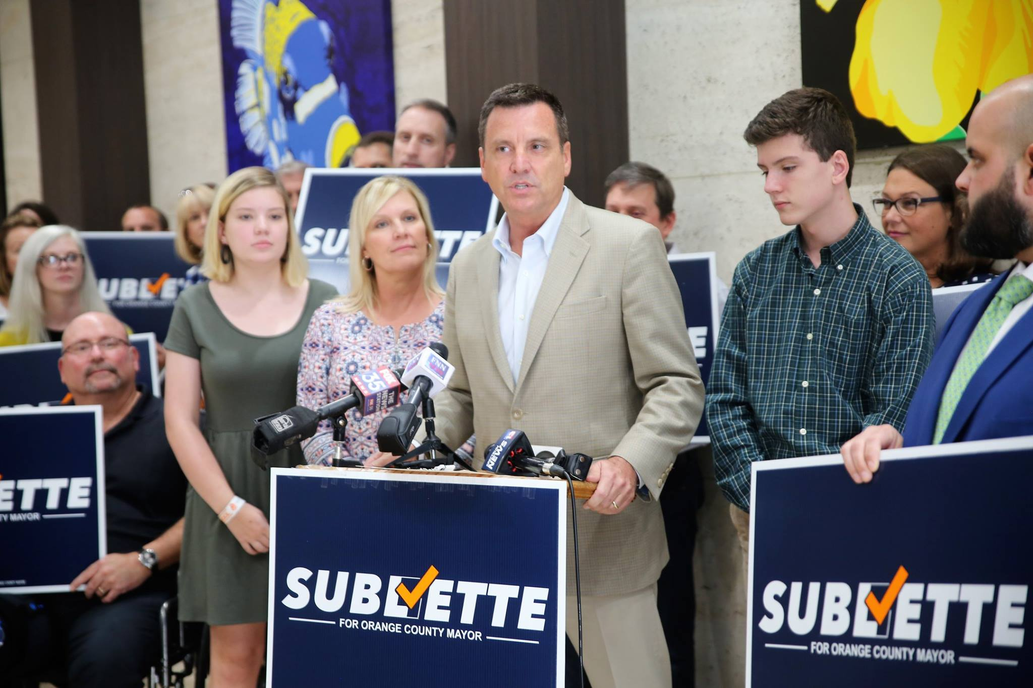 ORLANDO (FNN NEWS) - Orange County School Board Chairman Bill Sublette announced his candidacy for county mayor in a press conference in downtown Orlando Monday. Photo: Willie David/Florida National News.