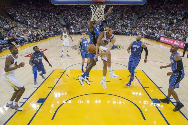 ORLANDO, Fla. (FNN NEWS) - The Golden State Warriors shot 62.5 percent from the floor as a team and nearly tied the NBA assist record to defeat the Orlando Magic. Photo: USA TODAY Sports.