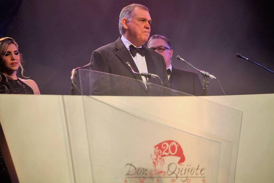 20th Annual Don Quijote Awards Chair Senator Mel Martinez (c) addresses the audience during the 20th Annual Don Quijote Awards at Epcot Saturday. Photo: Mellissa Thomas/Florida National News.