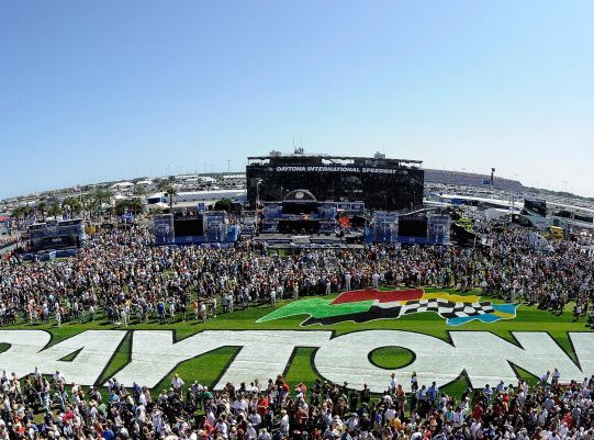 DAYTONA BEACH, Fla. (FNN NEWS) – Daytona International Speedway and Americrown Service Corporation will host hiring events for those interested in working during Speedweeks 2018 events, including the 56th Rolex 24 At DAYTONA and the 60th annual DAYTONA 500. Photo courtesy of Daytona International Speedway.