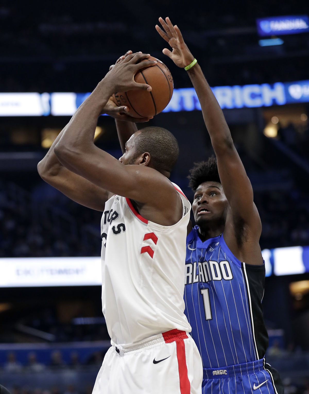 ORLANDO, Fla. (FNN SPORTS) - Despite a strong performance for three quarters, the Magic couldn't hold the Raptors. Photo: John Raoux/AP.