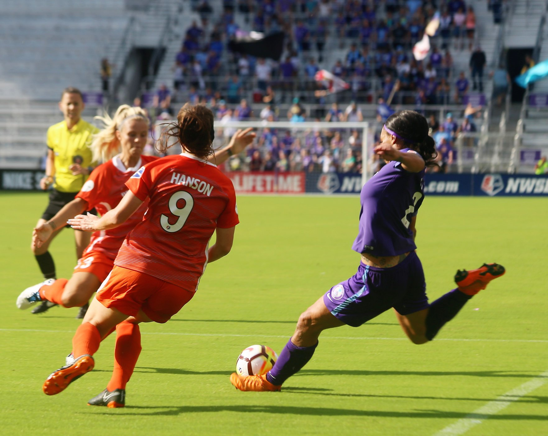 ORLANDO (FNN NEWS) - Sydney Leroux, along with Chioma Ubogagu and the Pride, fought for Sunday shutout. Photo: Willie David / Florida National News.