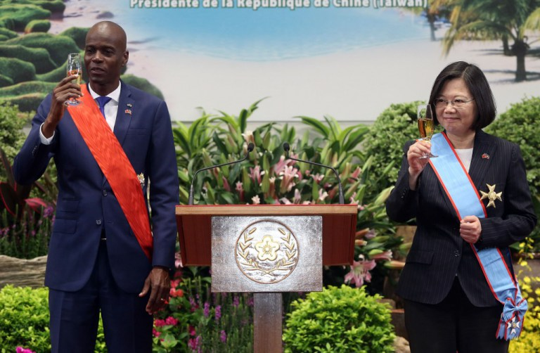 WORLD NEWS | Taiwan President Tsai Ing-wen offers Haiti President US$150 million in aid to buid Haiti's electrical grid. Photo: L'union Suite.com.