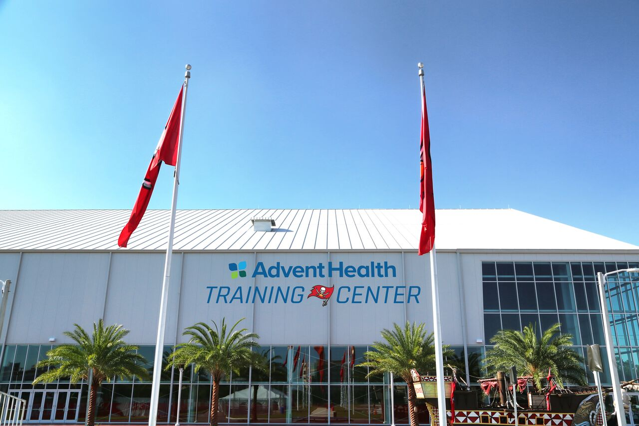 TAMPA (FNN SPORTS) - Florida Hospital, soon to be AdventHealth, and the Tampa Bay Buccaneers unveiled the new name of the Buccaneers' indoor training facility Monday, August 27, 2018. Photo: Tampa Bay Buccaneers.