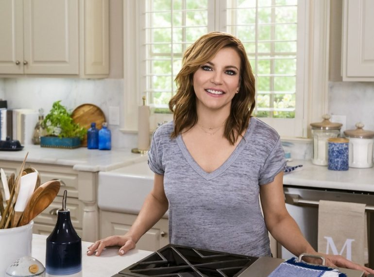 TV SHOW | NEW YORK - Country Music Icon Martina McBride Entertains From The Kitchen On New Food Network Series Martina's Table