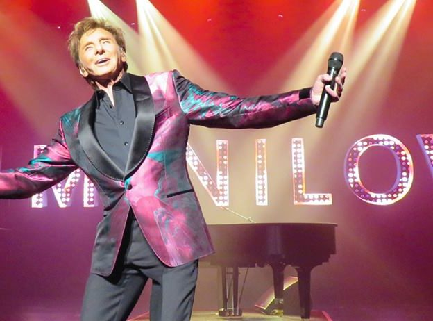 "Barry Manilow is bringing his ""Very Barry Christmas"" concert to Amway Center December 8, 2018. Photo: Barry Manilow/Facebook."