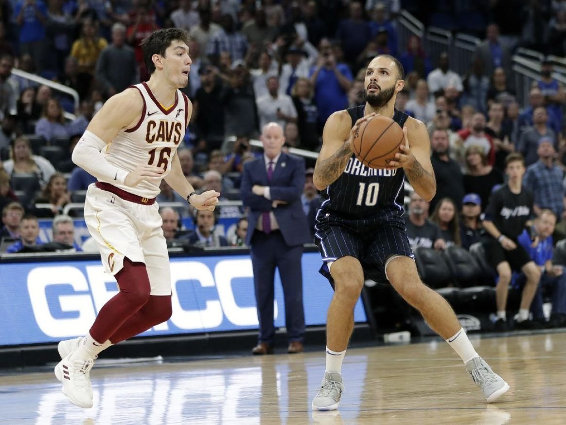Evan Fournier (#10) nailed the winning shot for the Magic against Cleveland at Amway Center Monday. Photo: AP.