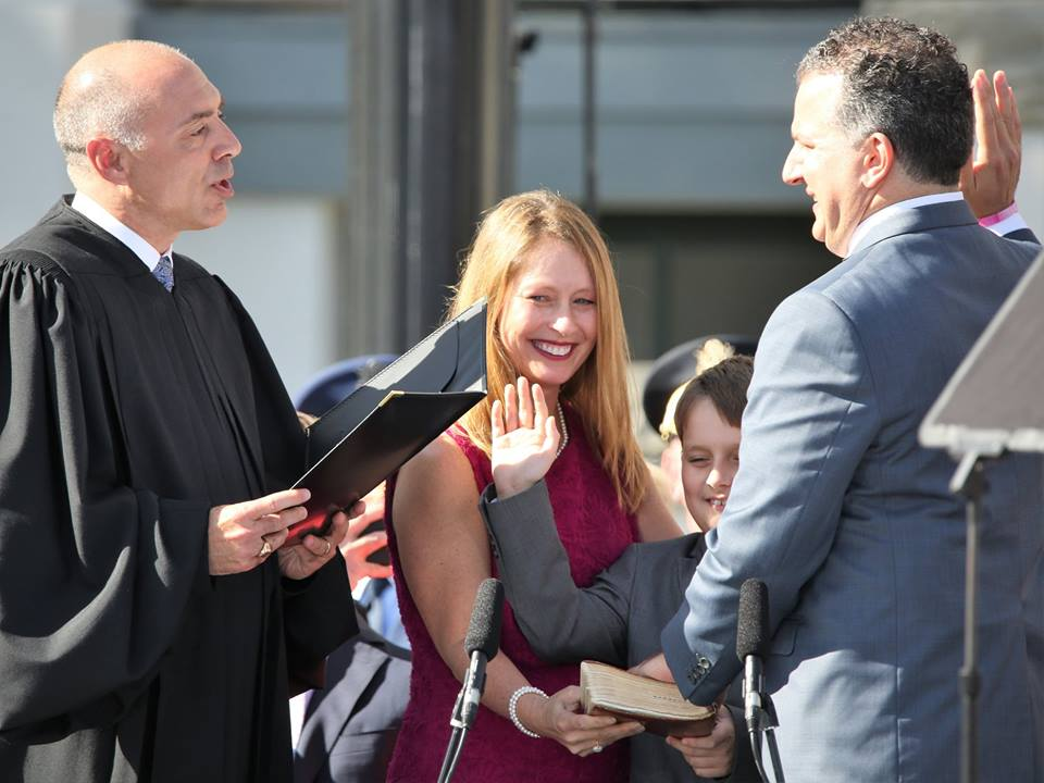 Returning CFO Jimmy Patronis (with his son joining in) takes the oath of office during the 2019 inauguration at the Florida Capitol January 8, 2019. Photo: Mellissa Thomas/Florida National News.