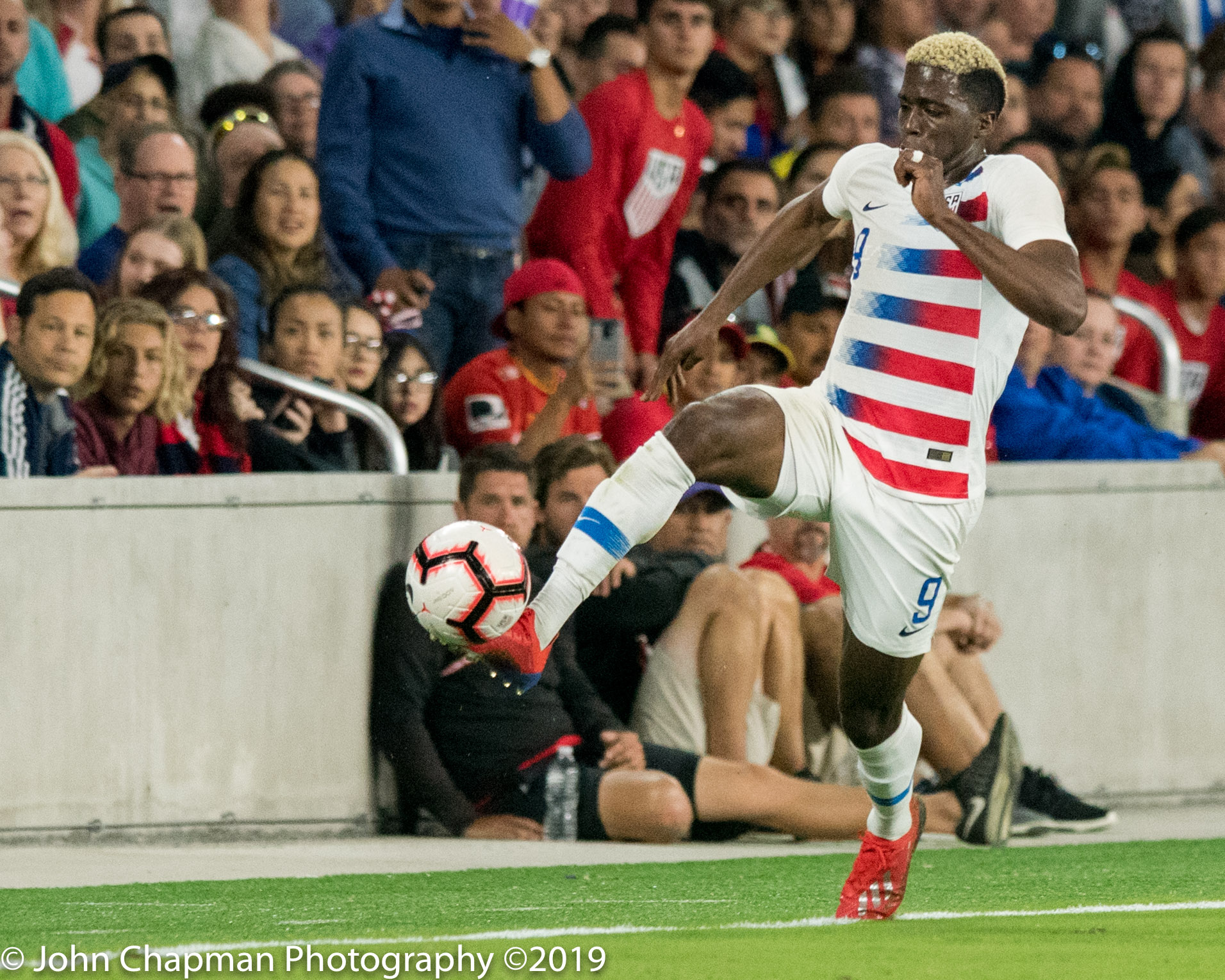 USMNT's Gyasi Zardes runs the ball for the breakthrough goal of the game against Ecuador at Orlando City Stadium Thursday, March 21, 2019. Photo: John Chapman.