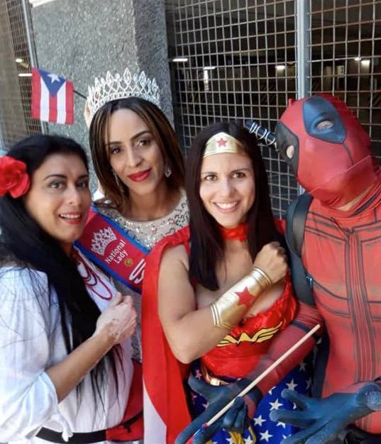 Beauty queen and model Yary Quezada (2nd left) join the action with Supervisor Daisy Morales and the heroes. Photo: Supervisor Daisy Morales (Facebook).
