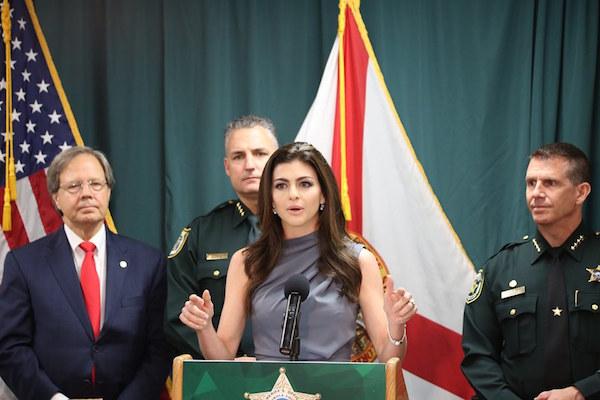 Florida First Lady Casey DeSantis was joined by (l-r): State Representative Scott Plakon, Seminole County Sheriff Dennis Lemma and Orange County Sheriff John Mina. Photo: Willie David/Florida National News.