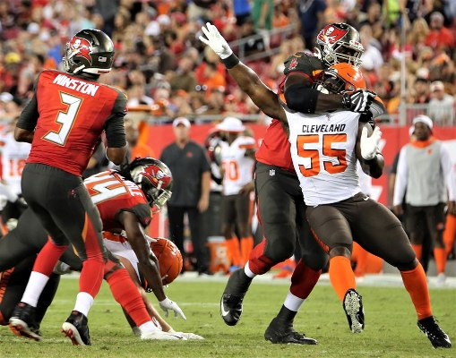 Tampa Bay Buccaneers quarterback Jameis Winston looks for a target in the pocket while the Bucs defense protect him at Raymond James Stadium Friday. Photo: Willie David/Florida National News.