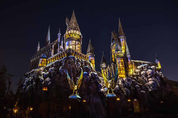 The Dark Arts at Hogwarts Castle Light Projection Show at Universal Studios Hollywood. Photo: Universal Orlando Resort.