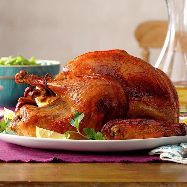 Golden brown Thanksgiving turkey image courtesy of Taste of Home.com.