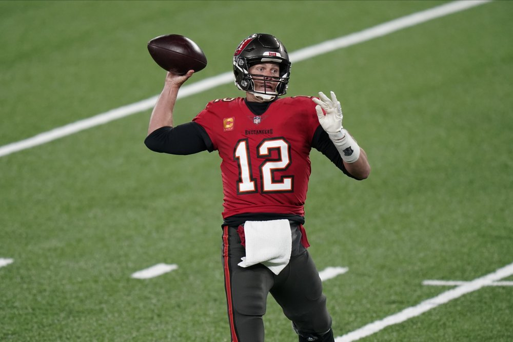 Tampa Bay Buccaneers quarterback Tom Brady looks to throw during the first half of an NFL football game against the New York Giants, Monday, Nov. 2, 2020, in East Rutherford, N.J. (AP Photo/Corey Sipkin)